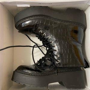 COPY - Steve Madden slasher Platform combat boot